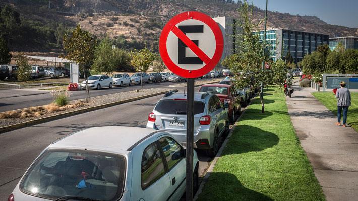 ¿Sabes en qué lugar se permite y prohíbe estacionar tu auto según la Ley de Tránsito?