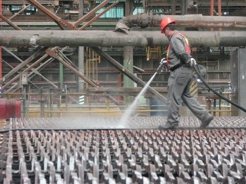 Expertos encienden alerta por bajas consecutivas en precio del cobre