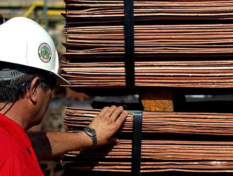Cobre sube 0,08% en la Bolsa de Metales de Londres