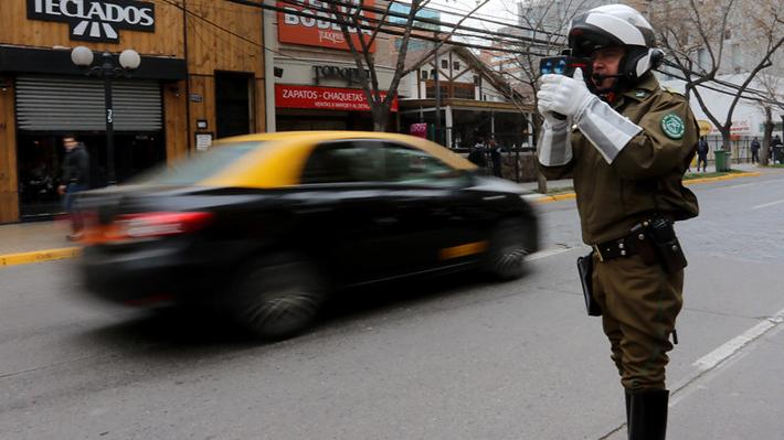 Carabineros ha cursado 170 infracciones por sobrepasar los 50 km/hr, el nuevo límite de velocidad