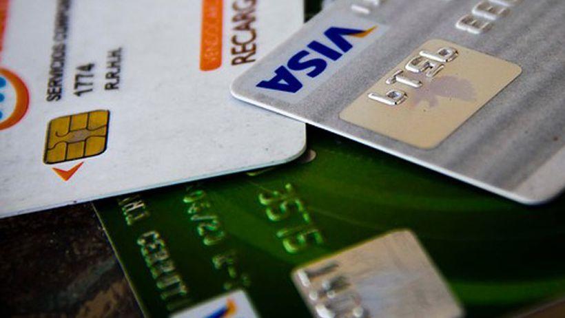 Sernac evalúa acciones contra Correos de Chile por filtración de datos bancarios