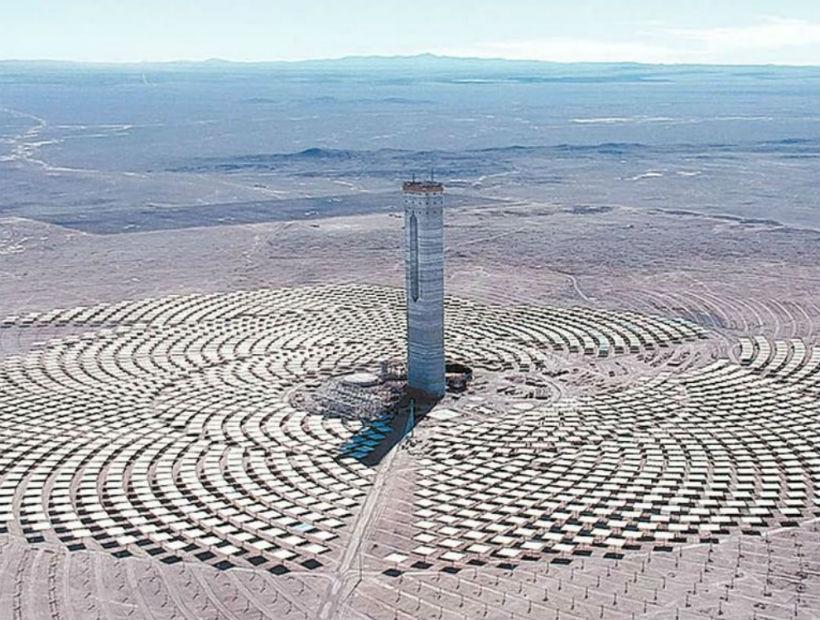 Planta termosolar Cerro Dominador de María Elena producirá 210 megawatt en 2020