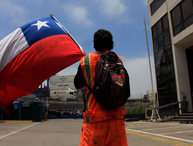 Trabajadores portuarios de Valparaíso aprueban preacuerdo que pondría fin al paro tras 35 días