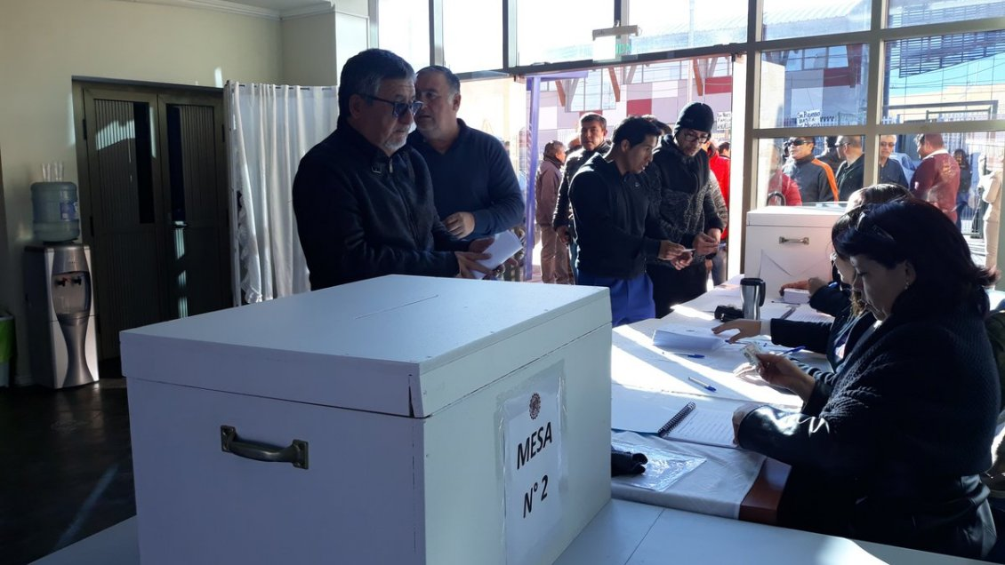 Trabajadores de Chuquicamata rechazan última oferta de Codelco y votan a favor de irse a huelga